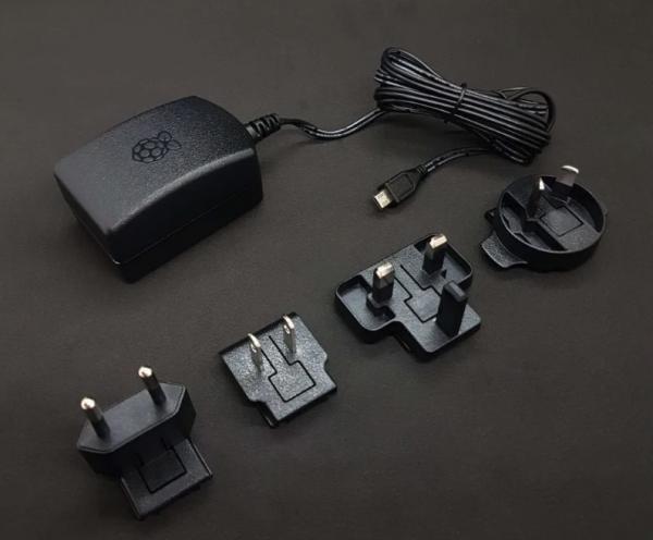 Official Raspberry Pi Universal Power Supply – EU/US/UK/AUS – 2.5A